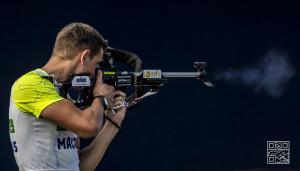 Simon Desthieux shooting Blink